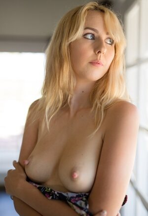 Naked Blondes Girls