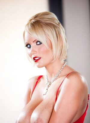 Long-legged Soccer mom Hanna Hilton with red lipstick on strips down and also flaunt twat